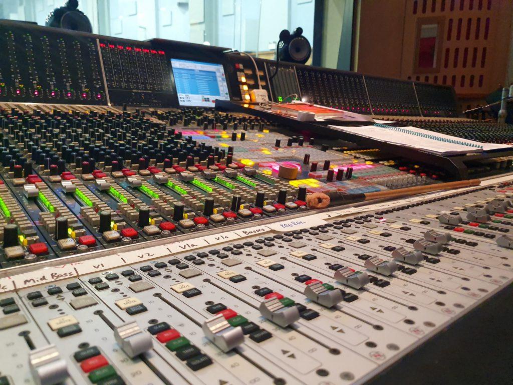 Konsoleta Neve 72 kanały studi s1 (4)
